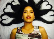 Idées de coiffures afro pour la Saint Valentin : inspiration en images