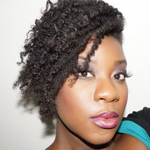 la bloggeuse Lovelyn Appiah et son frohawk
